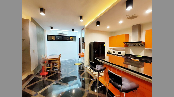 Townhouse  for sale Charoen Nakorn 40 image3