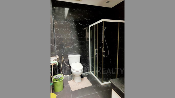 Townhouse  for sale Charoen Nakorn 40 image4
