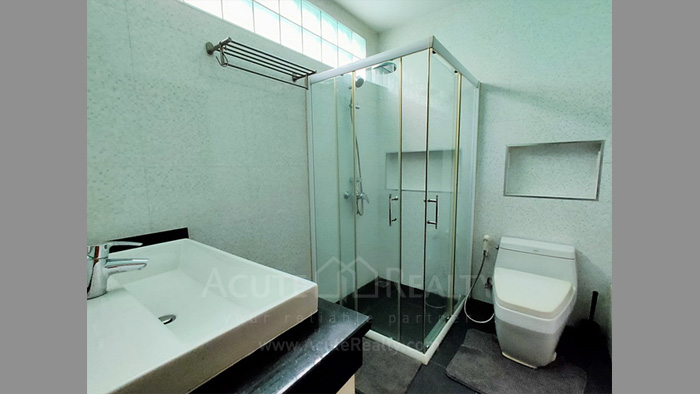 Townhouse  for sale Charoen Nakorn 40 image7