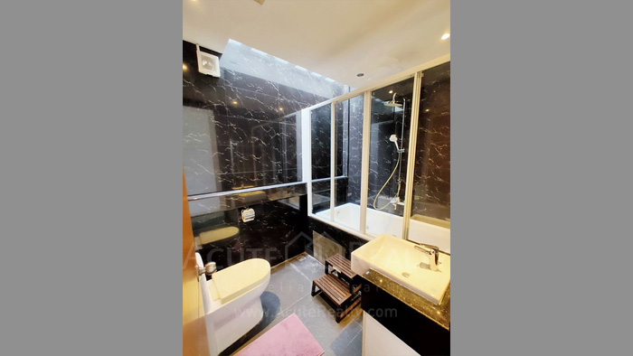 Townhouse  for sale Charoen Nakorn 40 image10