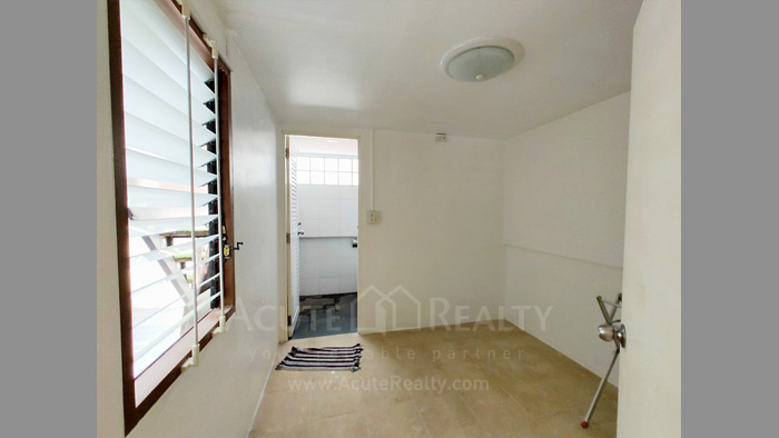 Townhouse  for sale Charoen Nakorn 40 image14