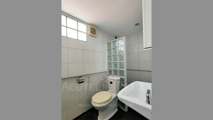 Townhouse  for sale Charoen Nakorn 40 image15