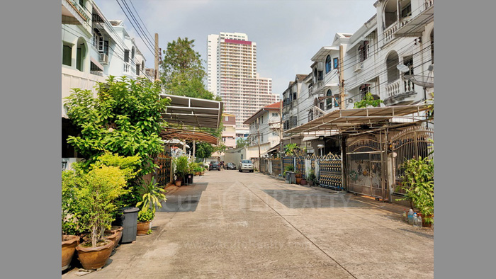 Townhouse  for sale Charoen Nakorn 40 image16