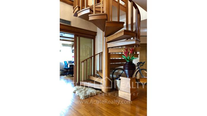 Condominium  for rent Grand Langsuan Langsuan image2