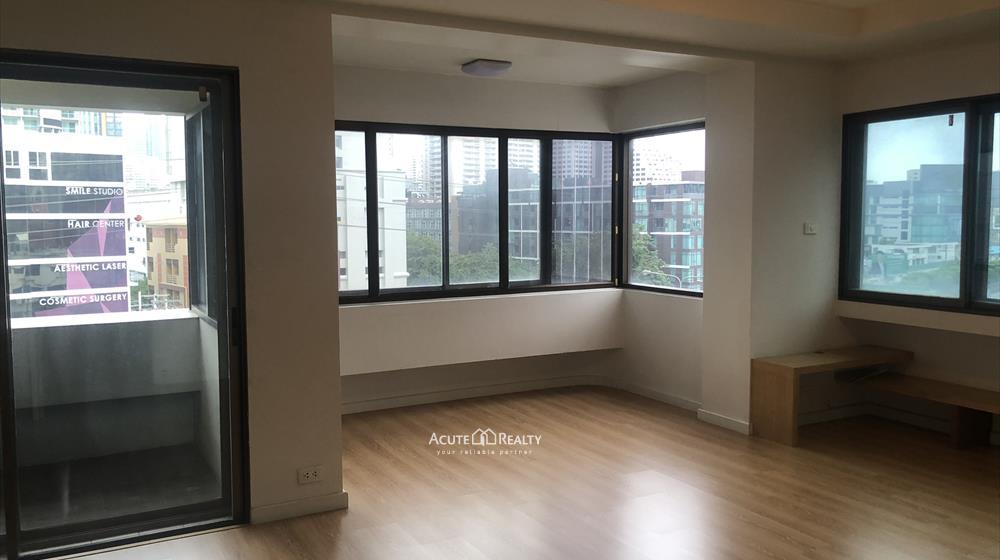 condominium-for-sale-ruamrudee-garden-house