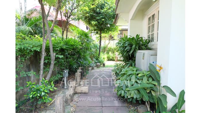 House, Home Office  for sale Intamara 28 Suthisarn road image10