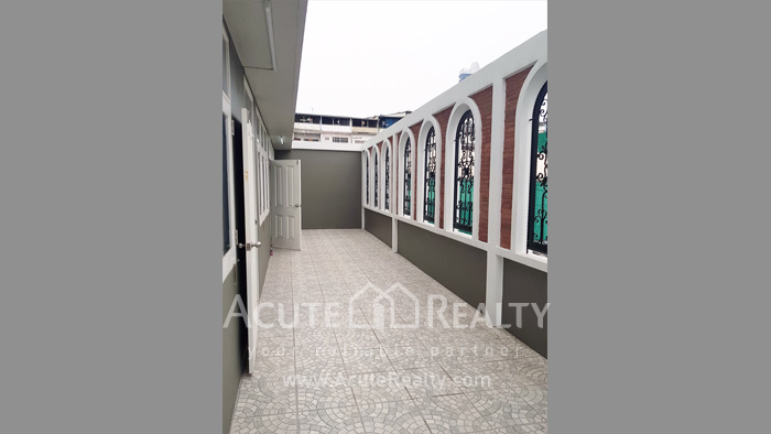 Shophouse, Office Building  for rent Charoenraj Rd. image8