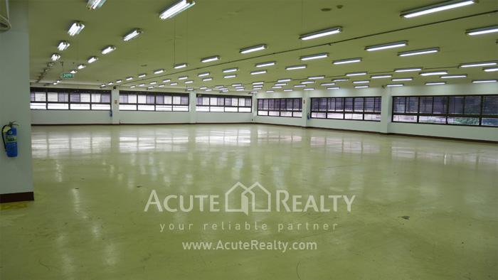 Warehouse  for rent Charoen Rat Rd. image6