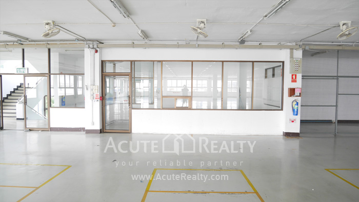 Warehouse  for rent Charoen Rat Rd. image3