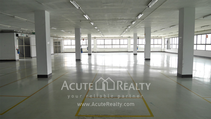 Warehouse  for rent Charoen Rat Rd. image5