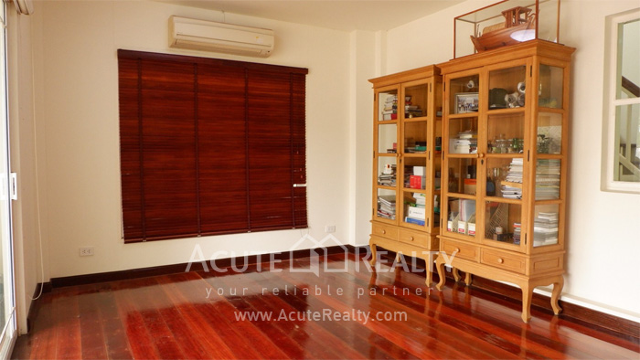 House  for sale Srinakharin image3