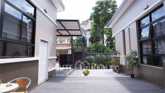 House  for sale Chaloem Phrakiat Ratchakan Thi 9 image3