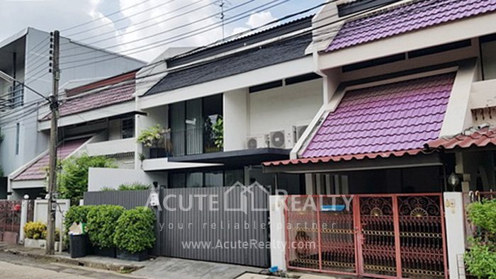 Townhouse  for sale Sukhumvit 71 image0