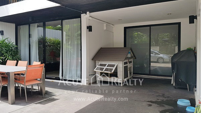 Townhouse  for sale Sukhumvit 71 image1