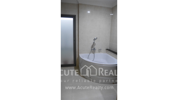 House  for sale Rama 9 image24