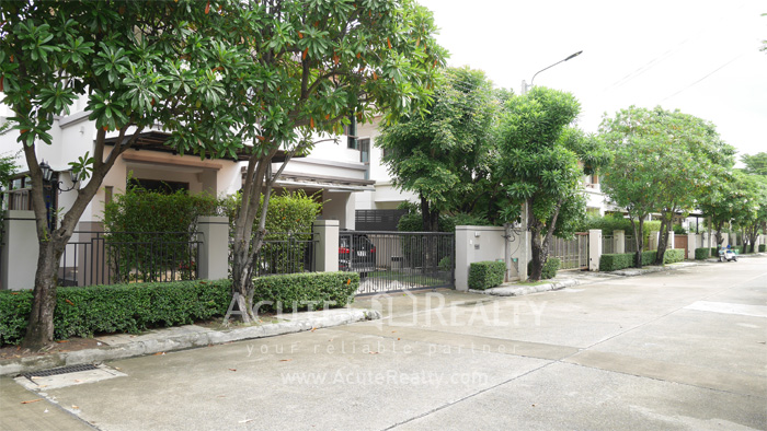 House  for sale Bangna Trad Rd. image2