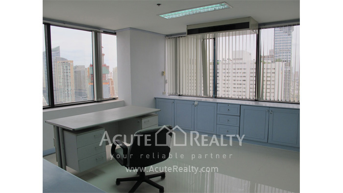 Office Space  for rent Surawong image3