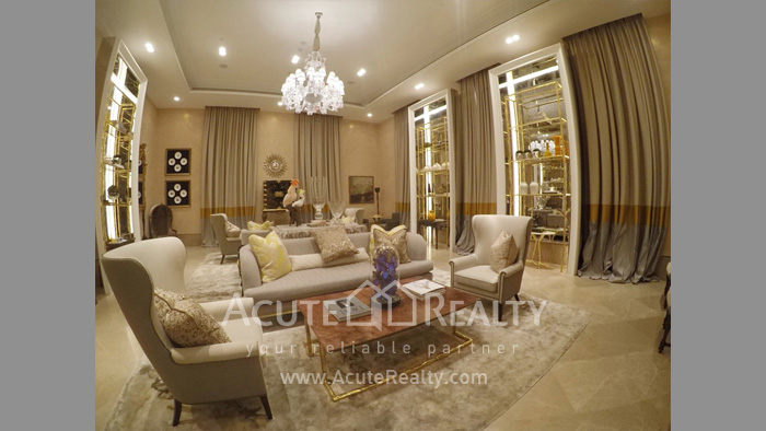 Condominium  for sale The Diplomat 39 Promphong image4
