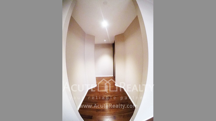 Condominium  for sale The Diplomat 39 Promphong image9