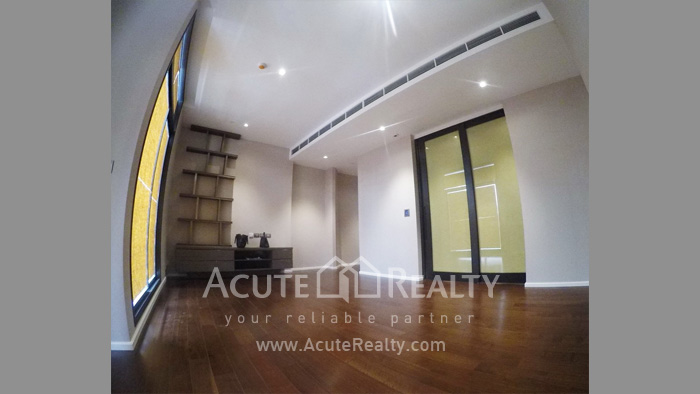 Condominium  for sale The Diplomat 39 Promphong image11