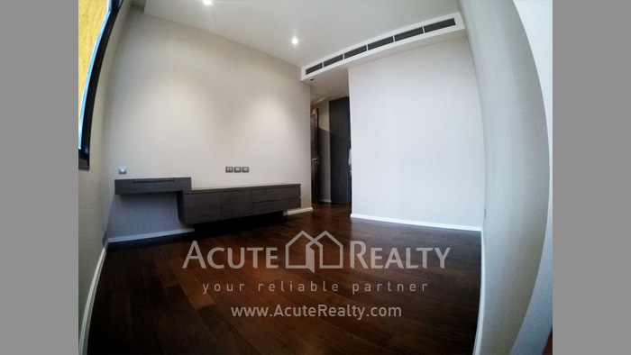 Condominium  for sale The Diplomat 39 Promphong image15