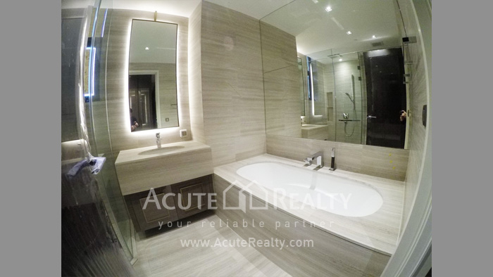 Condominium  for sale The Diplomat 39 Promphong image18