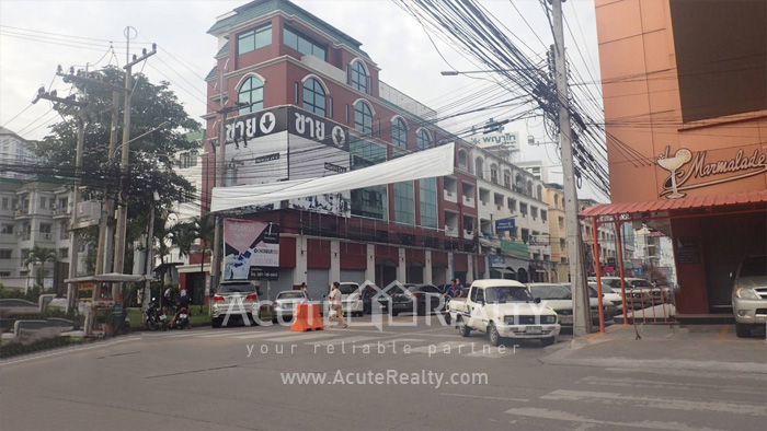 Shophouse  for sale Si Racha Nakhon 4 Rd. image1