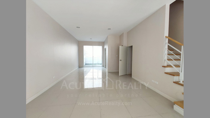 Townhouse  for sale Ratchada 36 image1