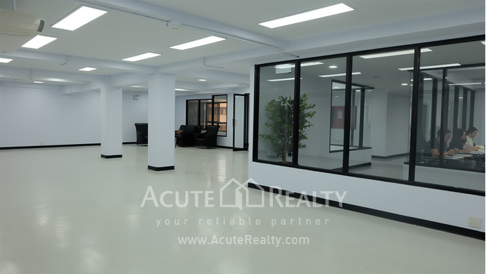 Office Space  for rent Sukhumvit 21 Asoke image4