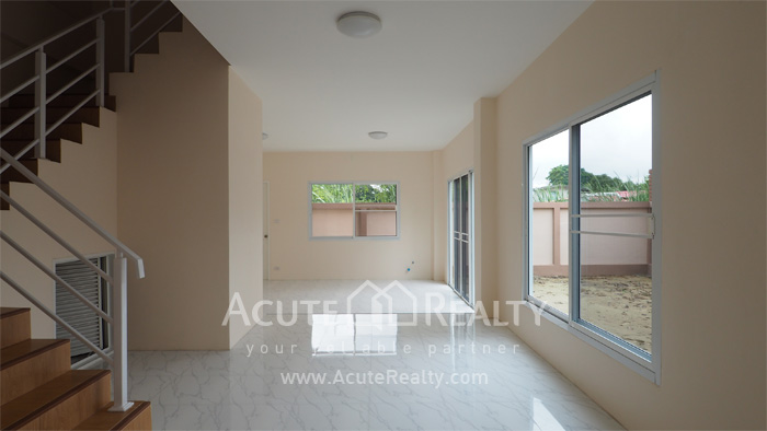 Townhouse  for sale Ramintra  image1