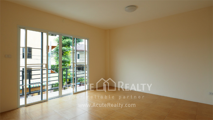 Townhouse  for sale Ramintra  image9