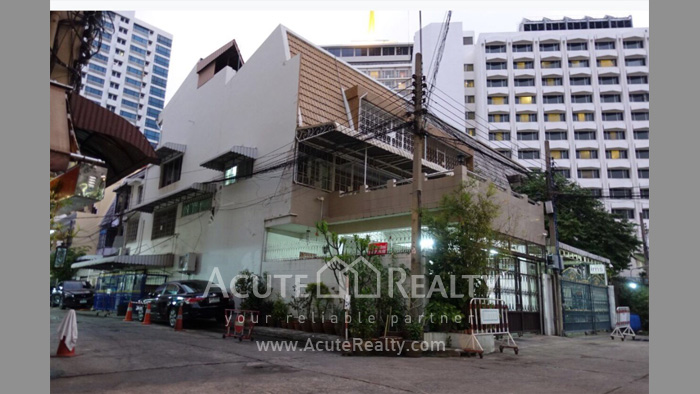 联排别墅, 家庭办公室  for rent Saladaeng Silom image0