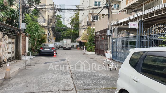 Townhouse, Home Office  for rent Saladaeng Silom image1