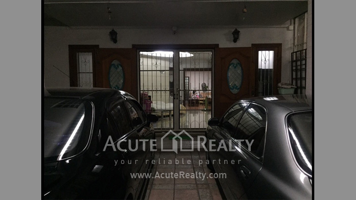 Townhouse, Home Office  for rent Saladaeng Silom image2