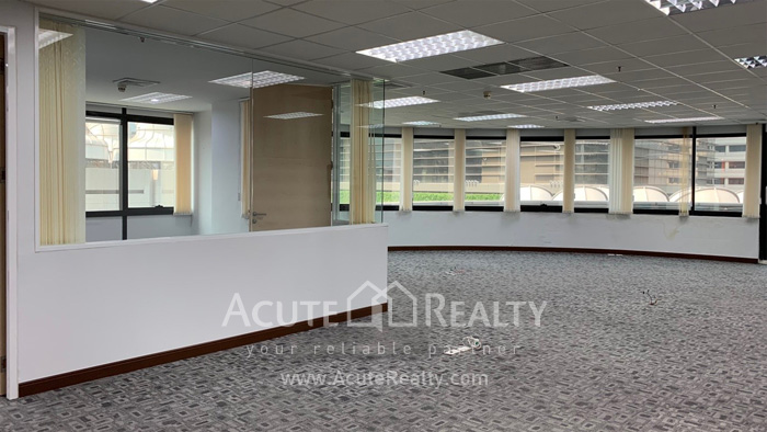 Office Space  for rent Ploen Chit image1