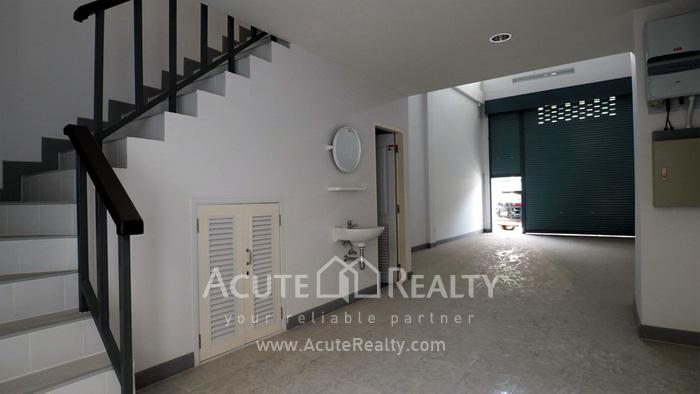 Shophouse  for sale & for rent Sukhumvit 113 (Samrong) image4