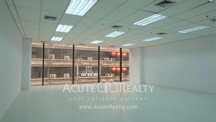 Office Space  for rent Surawong image1