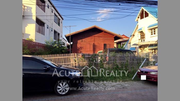 บ้าน, ที่ดิน  ขาย & ให้เช่า คูเมืองด้านใน ถ.สิงหราช รูป0