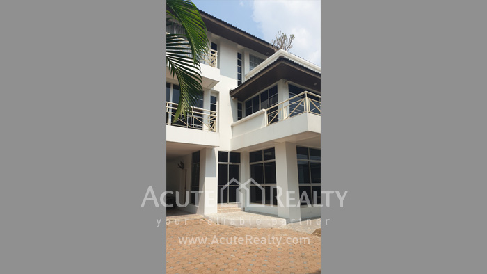House, Home Office  for sale & for rent Sutthisarnvinitchai Rd.(Intamara 3)  image19