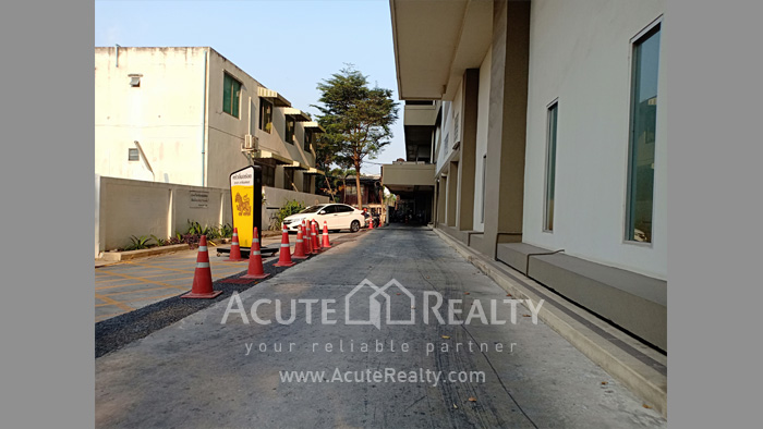 Condominium, Office Space  for sale Sarin Place Ratchadaphisek Road image19