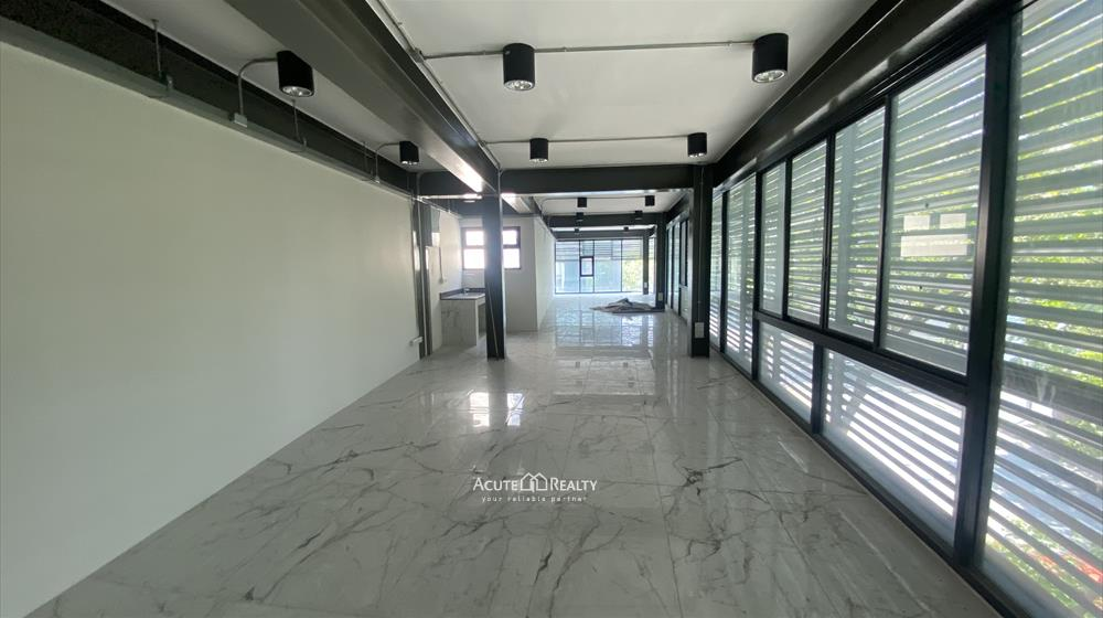 Office Building, Showroom  for rent Surawong image5