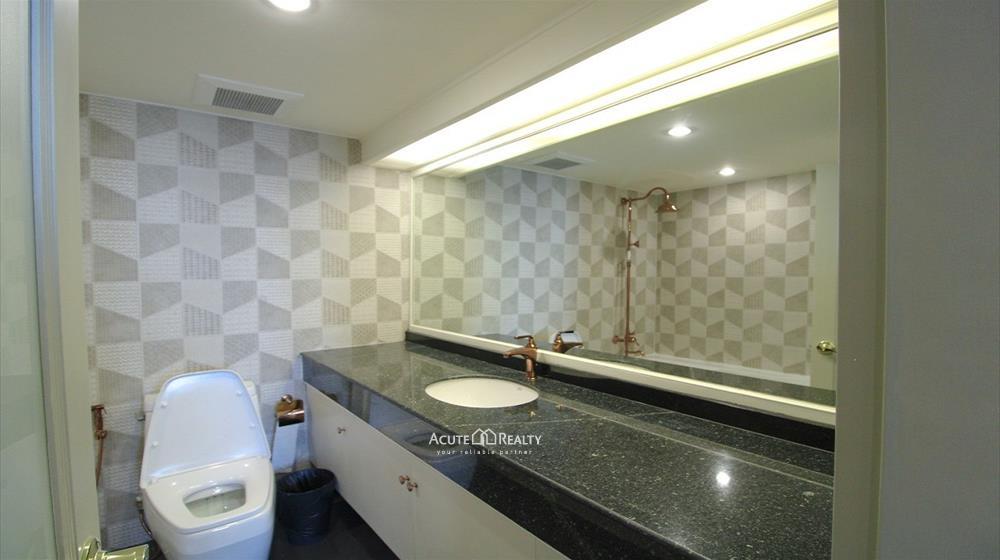 Condominium  for rent Las Colinas Asoke image16
