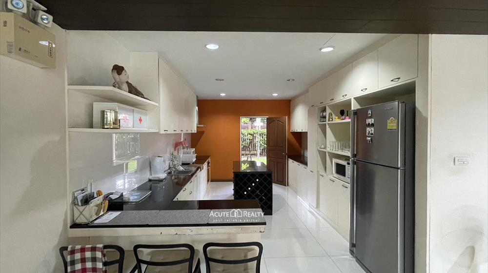 House, Home Office  for sale Sukhumvit 101 image5
