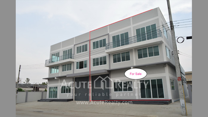 Shophouse, Home Office, Warehouse  for sale Iyara Rd. Khlong Luang image0