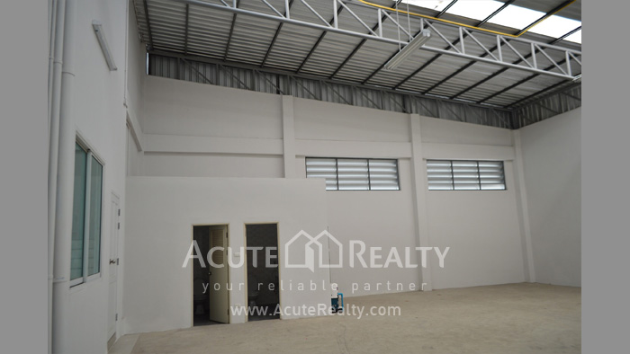 Shophouse, Home Office, Warehouse  for sale Iyara Rd. Khlong Luang image2