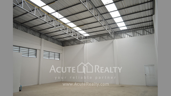 Shophouse, Home Office, Warehouse  for sale Iyara Rd. Khlong Luang image3