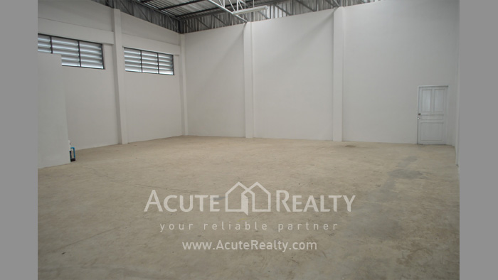 Shophouse, Home Office, Warehouse  for sale Iyara Rd. Khlong Luang image4