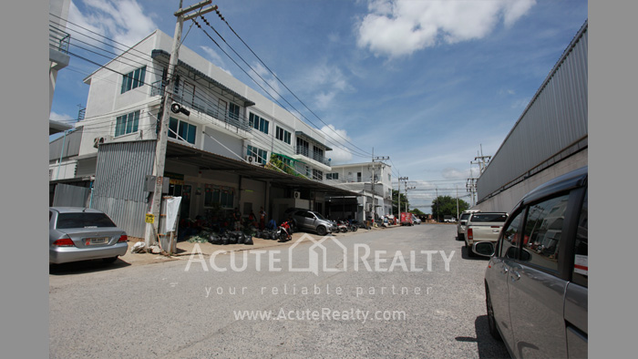 Shophouse, Home Office, Warehouse  for sale Iyara Rd. Khlong Luang image16