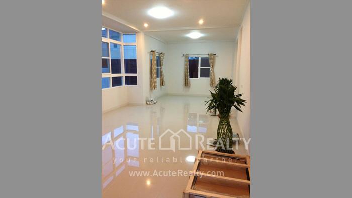 房屋  for sale Tha Sala image5