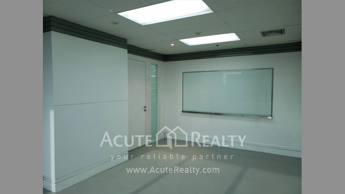 Office Space  for sale & for rent Petchaburi Road image4